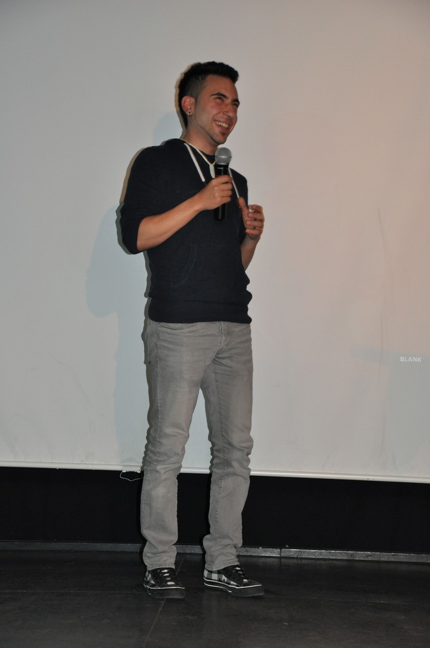 Sadeq Masoud spricht über die Arbeit an dem Tanzvideo der Jugendlichen