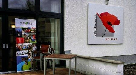 Eingang Café Zeitlos