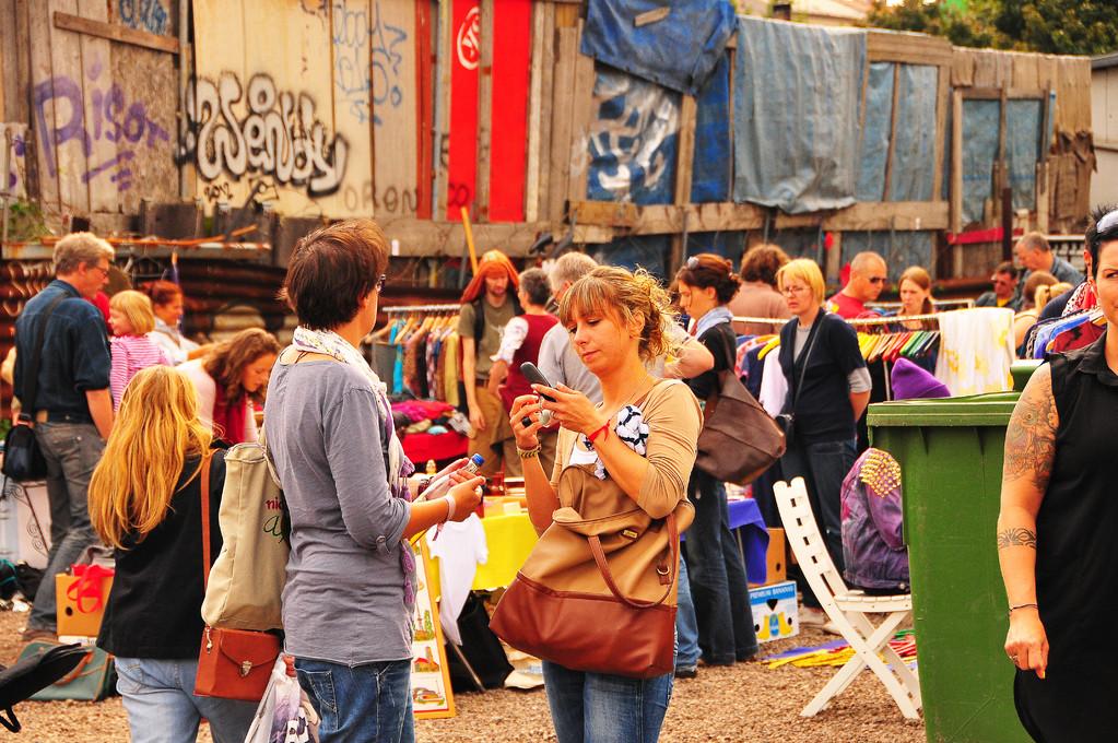 Sunday ritual (flea market Bernauer street)