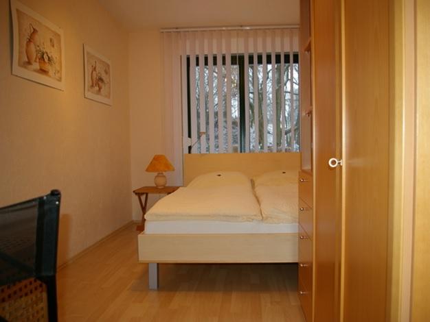 4-Sterne-Ferienwohnung mit Terrasse und Garten bei Dresden, Schlafzimmer mit WLan und Fußbodenheizung