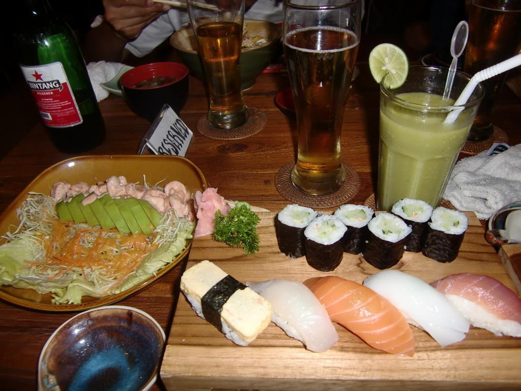 お寿司や定食、うどんも美味しい!!