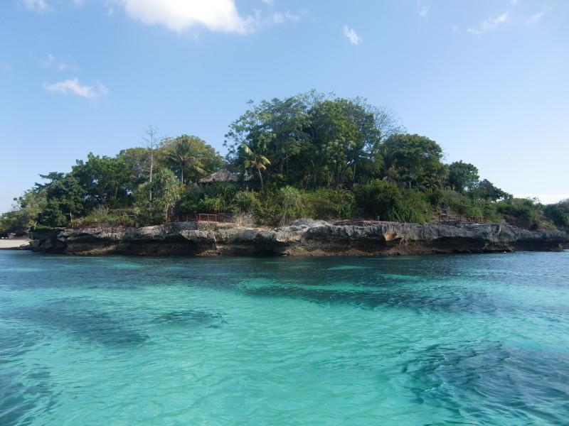 レンボガン島の美しい海