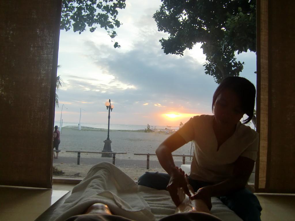 夕日を眺めながらのフットは最高の贅沢!!