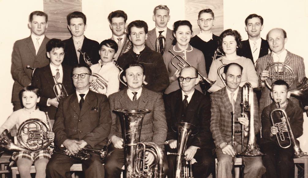 1963: 50-jähriges Chorjubiläum - mitten in der Wiederaufbau-Phase der Kirche (bis zur Wiedereinweihung sollte es noch weitere 3 Jahre dauern )