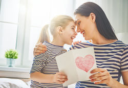 maman heureuse épanouie bienveillante sereine coaching pesonnalisé