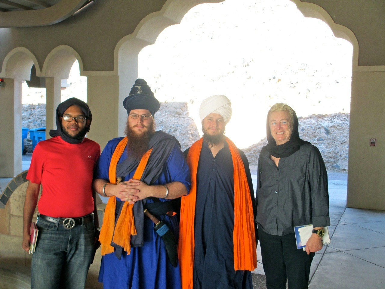 Damon & Dr K meet with Sikhs at temple