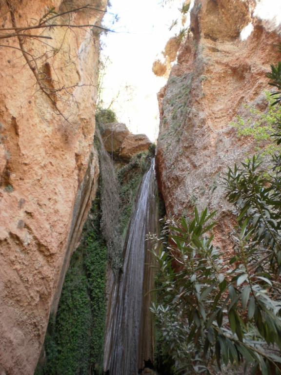мини водопад...