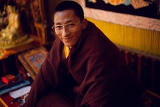 Biographie de Gyalwai Nyugu Rinpoché