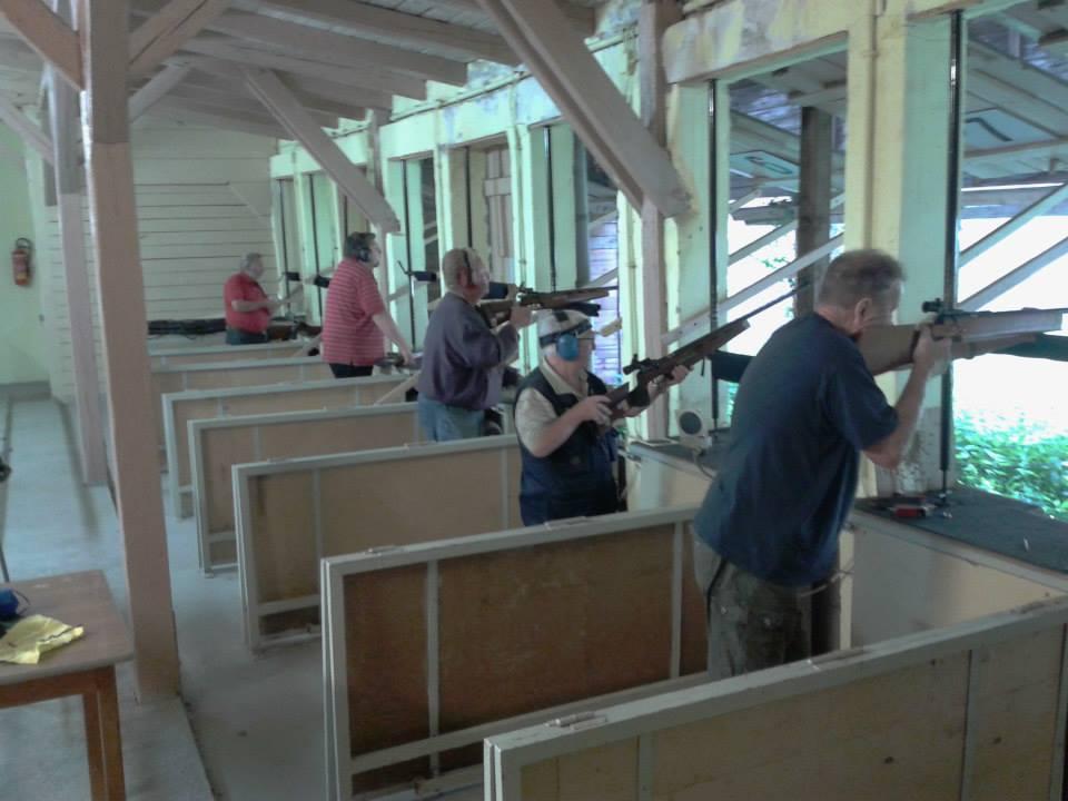 Unsere Schützen beim KK schießen auf dem 50 Meter Stand