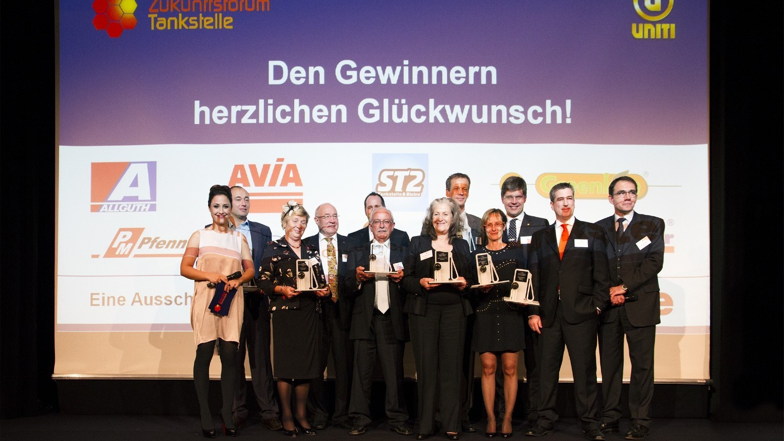 Die Preisträger der unterschiedlichen Kategorien gemeinsam auf der Bühne auf den Rheinterrassen.