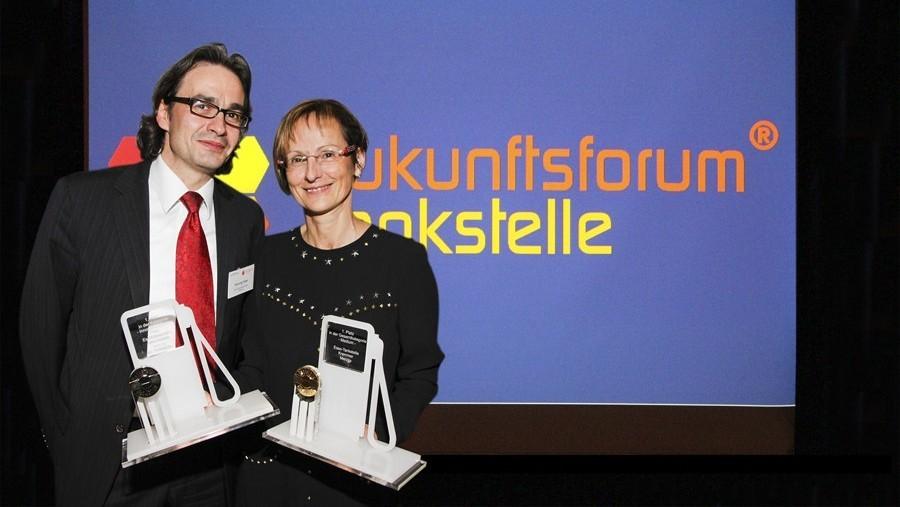 Henning Feller und Birgit Kremmer mit beiden Branchen-Oskars.
