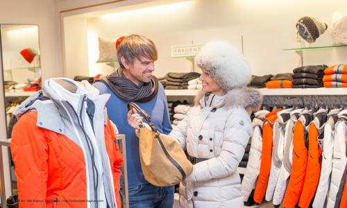 Two people shoping in Kaprun Austria