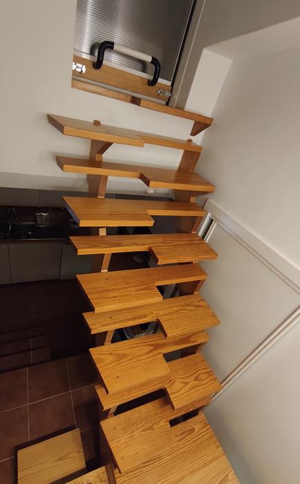 escalera de pasos alternos