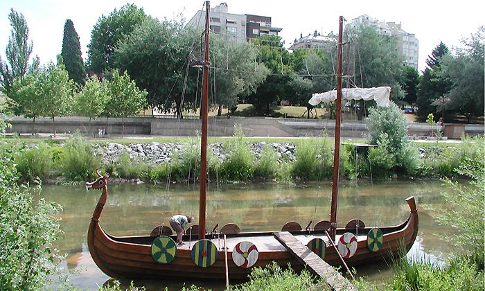 estructura singular / barco vikingo