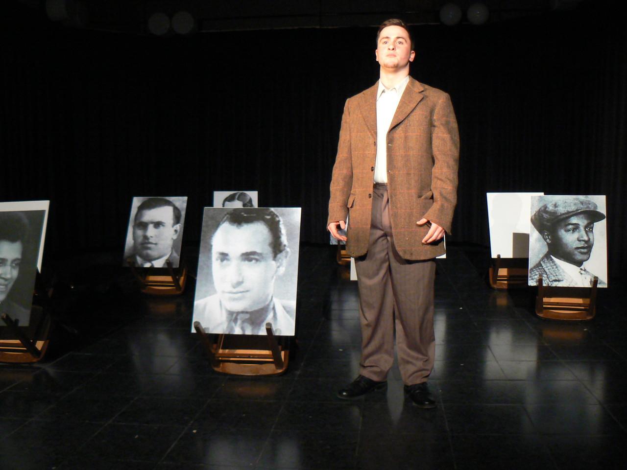 Emre Taflan als Isaak Behar. Foto: S.Walter