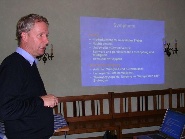 Prof. Dr. Südhoff bei seinem Vortrag