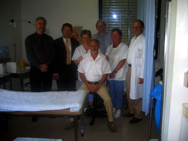 Besuch von Franz Meyer, damals Landtagsabgeordneter aus dem Wahlkreis Passau und Staatssekretär im Bayerischen Staatsministerium der Finanzen in der KMT-Ambulanz am 5. Juli 2005.