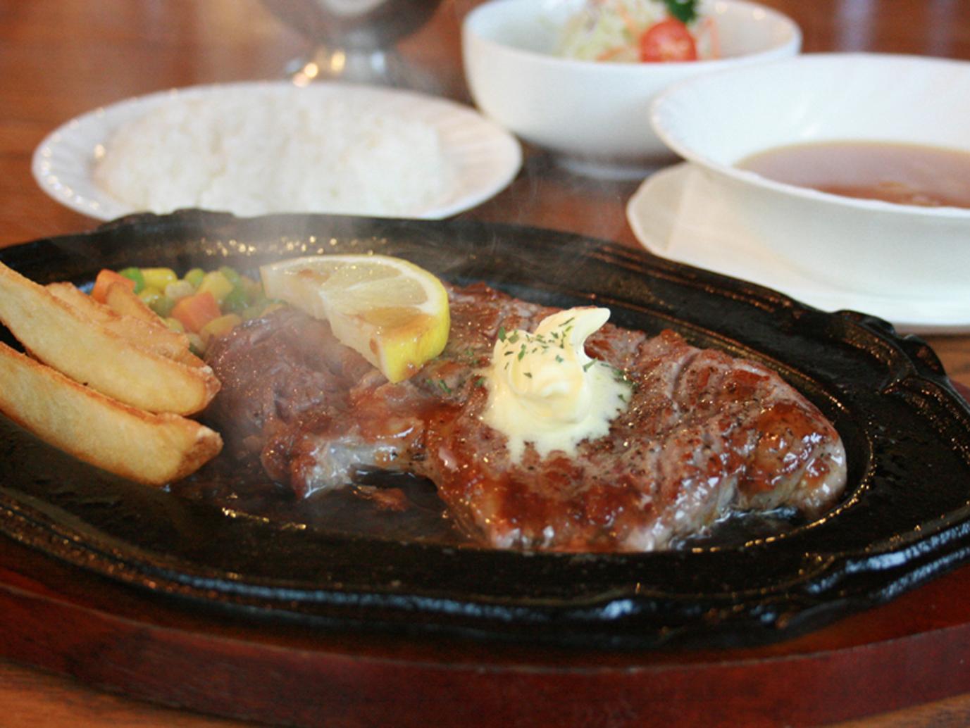 リブステーキ セット¥1,630 単品¥1,350