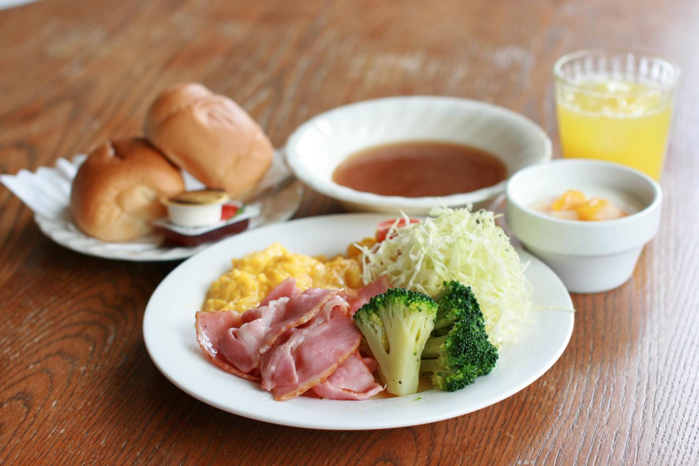朝食 ¥770(¥550小学生以下) 洋食(事前の申し込みが必要です。メニューは当方にて決定しております)