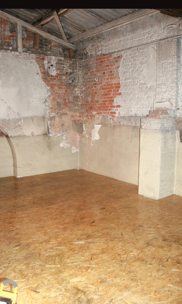 Der Holzboden der Zwischendecke in der Lokhalle.