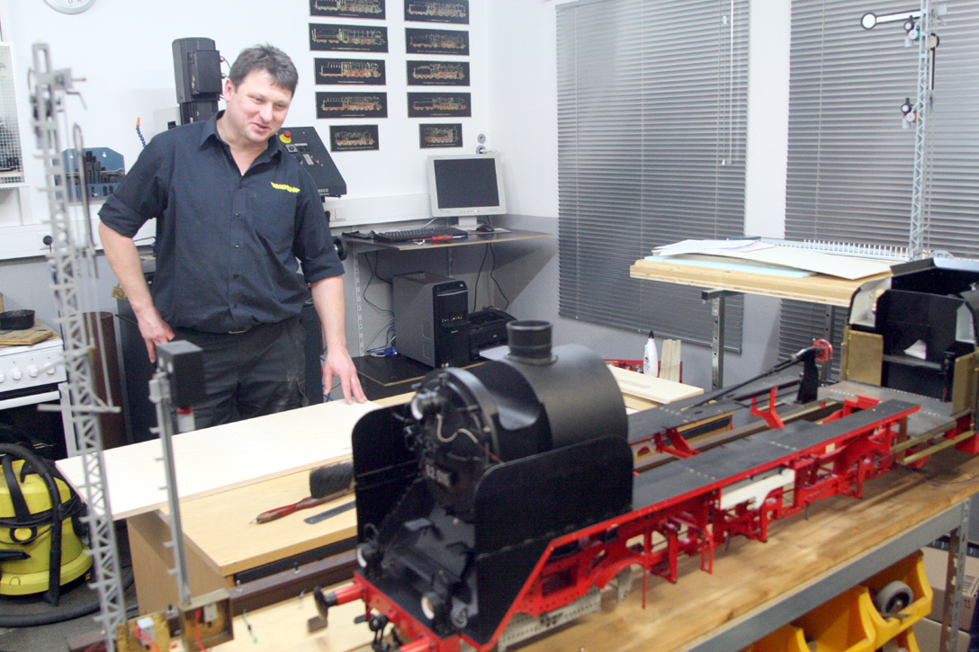 Auch bei der Miniaturdampfbahn Hohenlohe e. V. (MDBH) wurde gearbeitet.