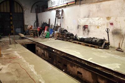 23.12.2017:  Anschlüsse und Übergänge werden von Hand fertiggestellt.
