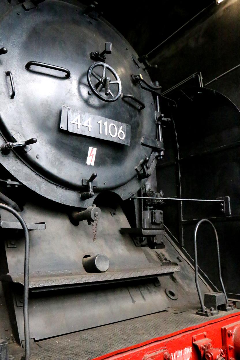 """Die 44 1106 war im Film """"3 Jumbos über den Berg"""" eine Kollegin unserer 44 1378."""