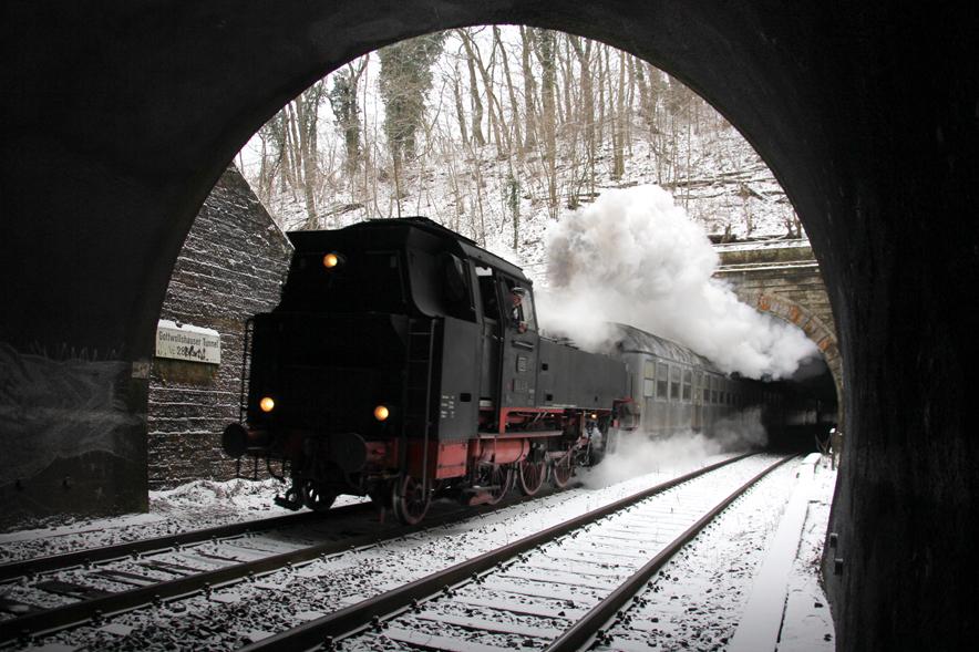Die kurzen Lücke zwischen dem Haller Tunnel und dem Gottwollshauser Tunnel.  Zu diesem Zeitpunkt  . . .