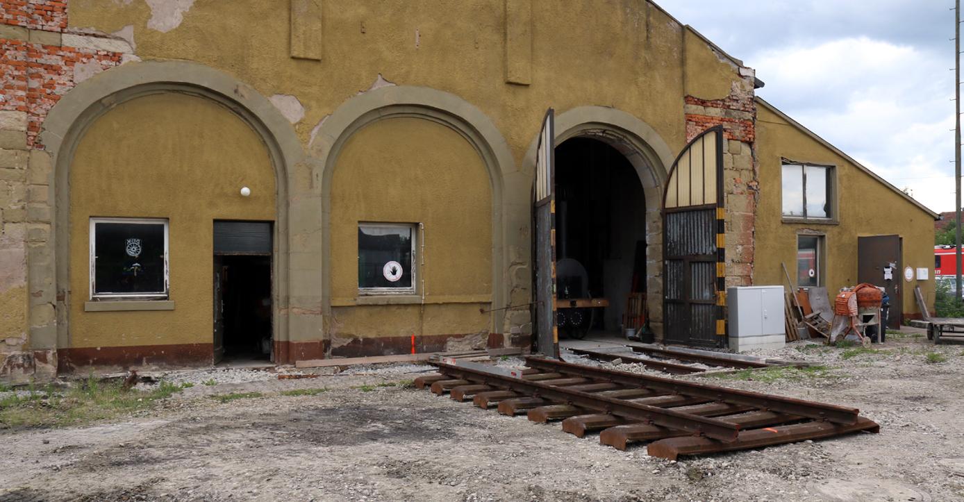 """Unter dem Gleisjoch befindet sich die Zuleitung zum Ölabscheider. Auf dem Gleisjoch soll die Kö0186 """"zwischengelagert"""" werden."""
