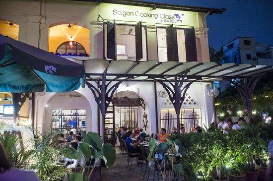 Restaurant Hoa Tuc