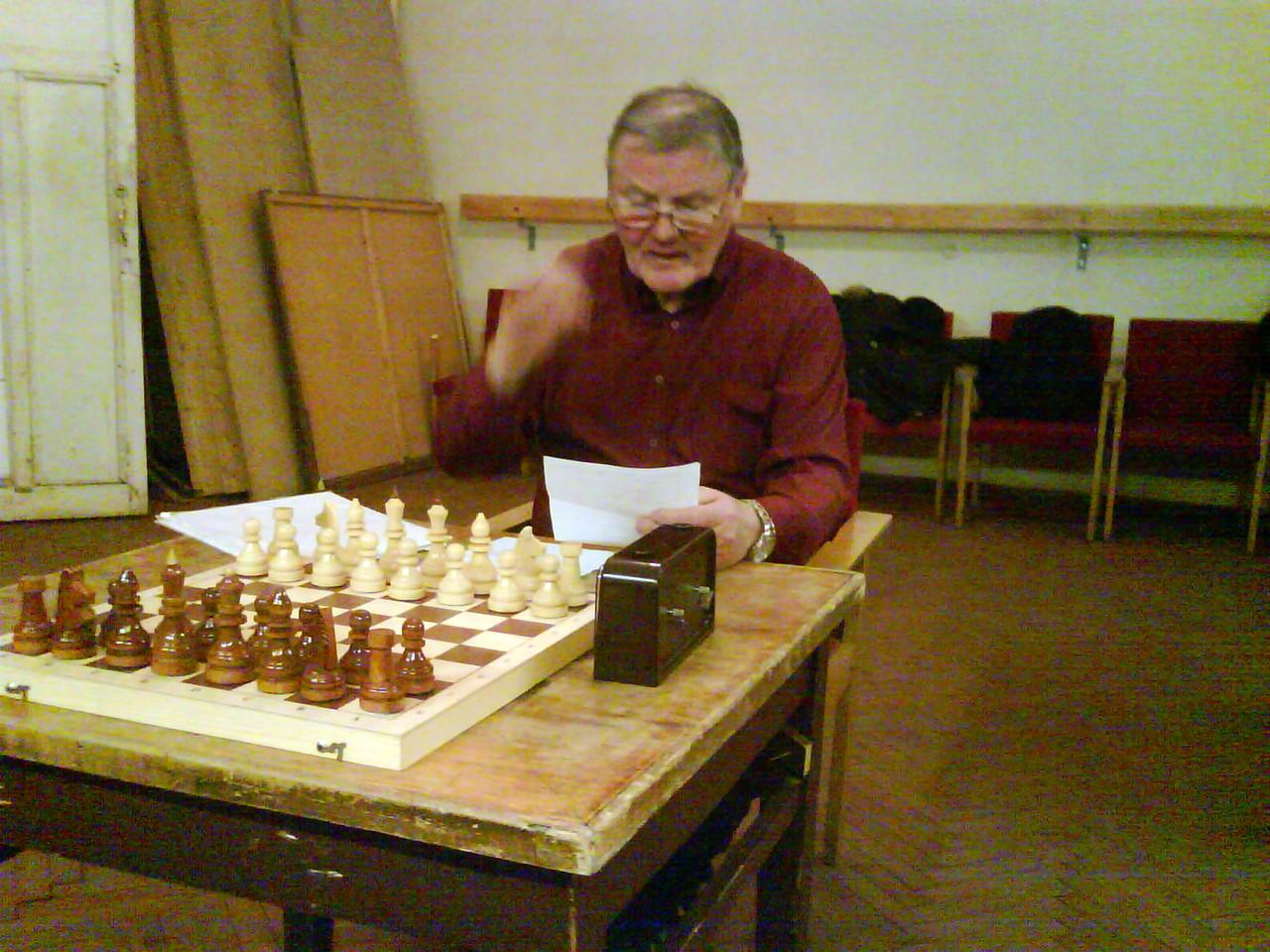 Тренер Ю.Чанышев рассказывает о плане мероприятий