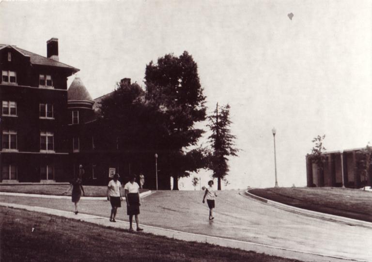 Галлодетский университет. Из кампуса