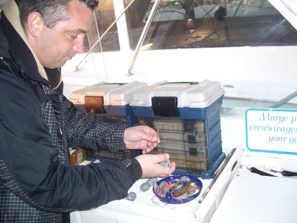 Илья готовит приманку
