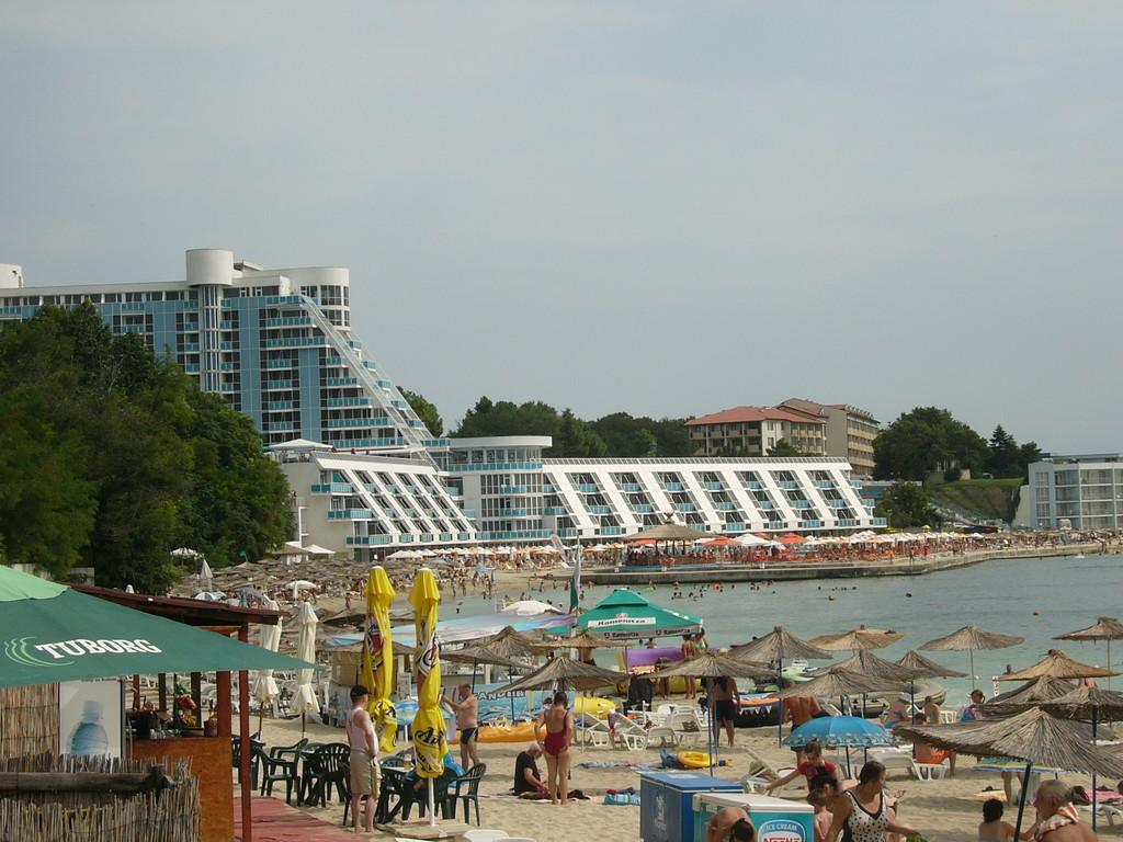 Панорама на пляж.