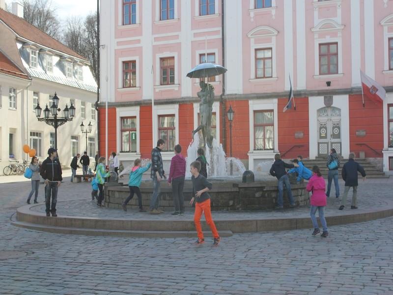 Фонтан в Тарту покорил любителей лесного спорта