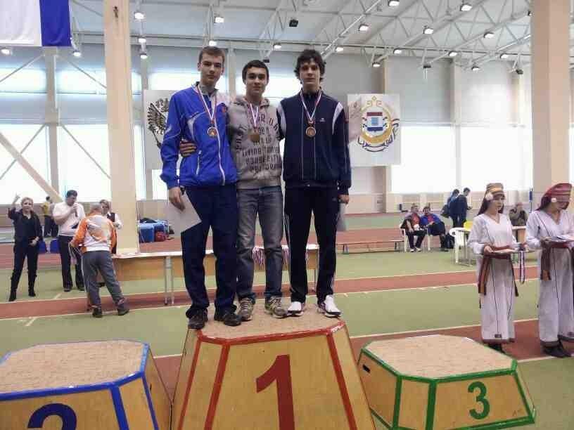 Петр Лебедев ( в центре) и Денис Федоренков