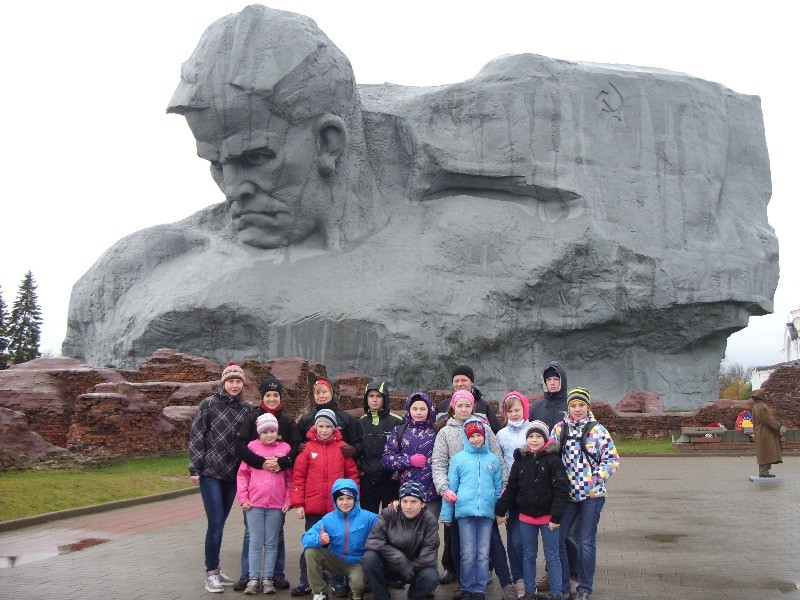 Экскурсия в музей «Обороны Брестской крепости» Монумент «Мужество»