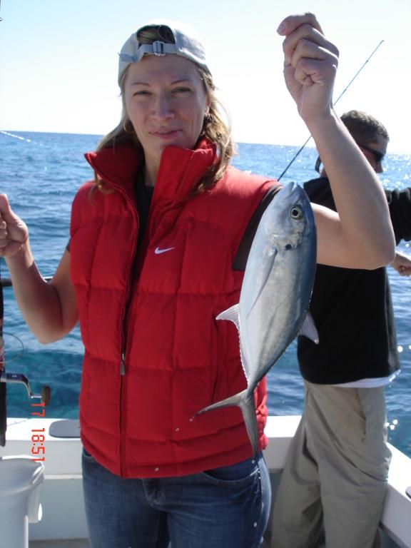 Света первой поймала рыбу и все поехало.