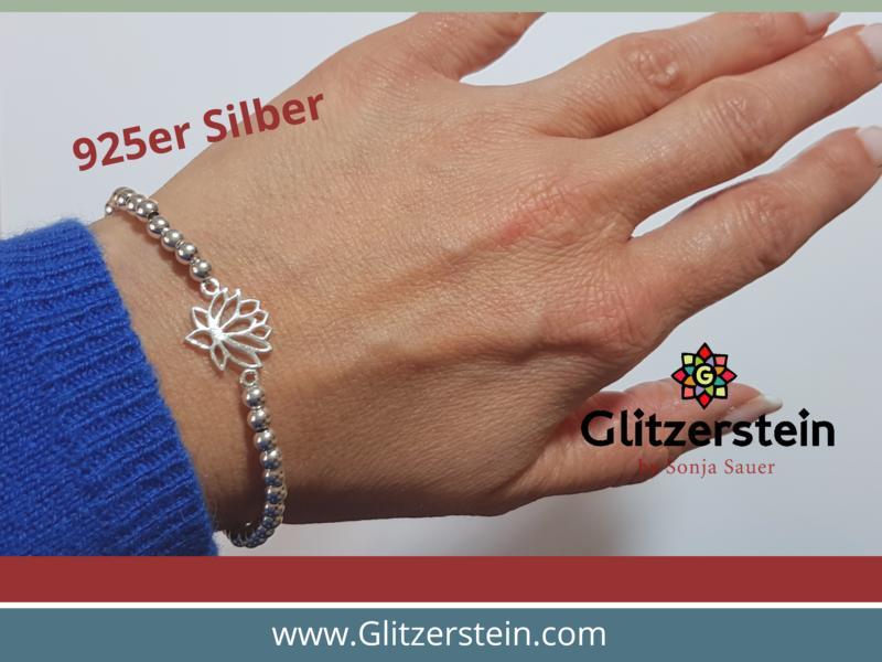 Kugelarmband aus 925er Silber in 4 mm mit dem Schmuckverbinder Lotusblüte