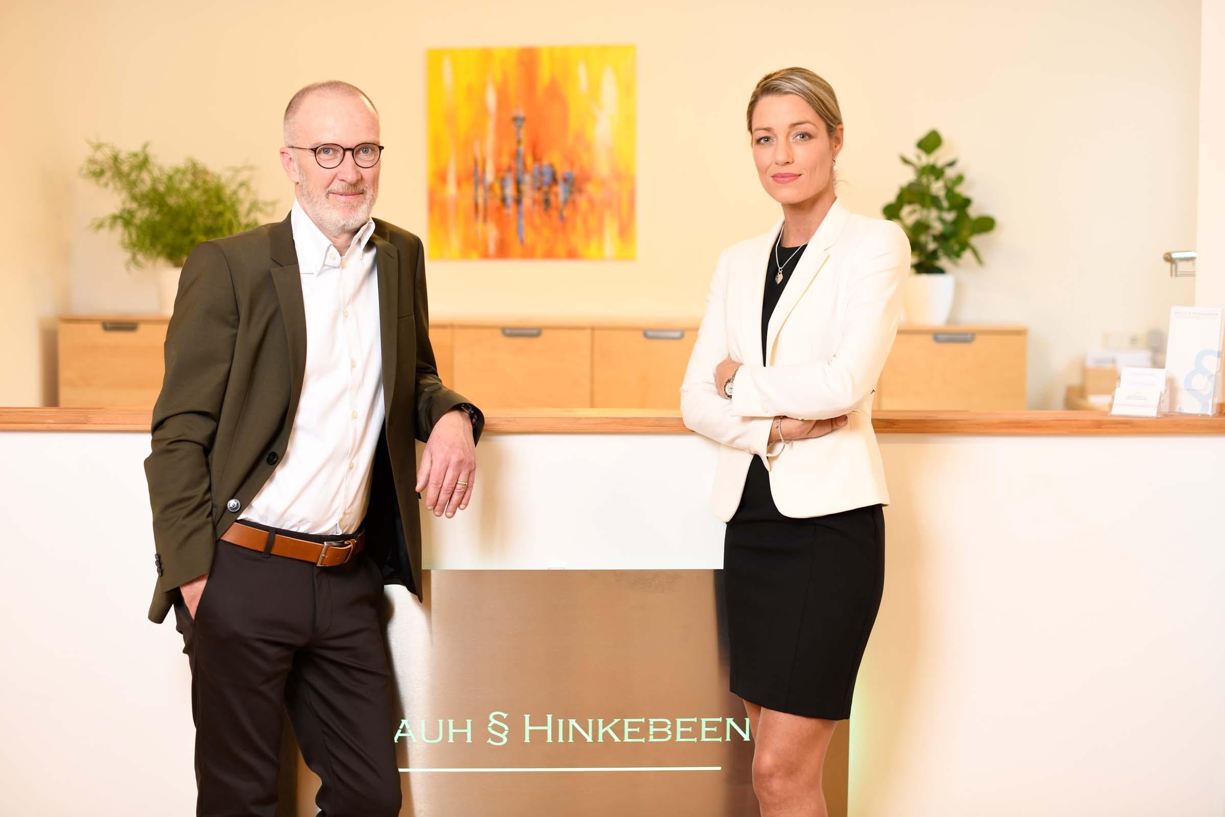 Rechtsanwalt Stephan Rauh und Rechtsanwältin Nadine Hinkebeen