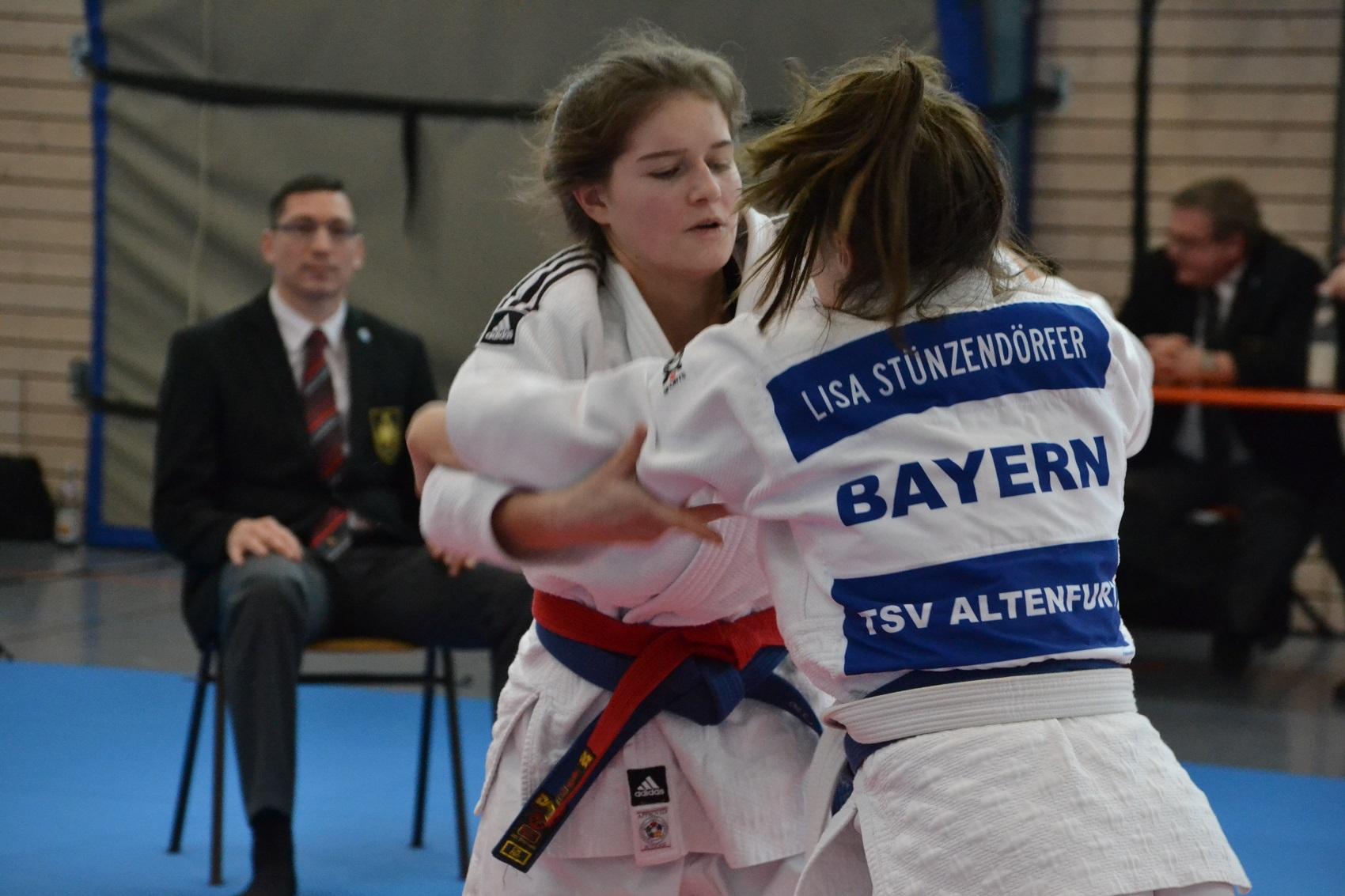 Ronja Heymens (TV Parsberg)  Kampf um den Einzug ins Finale
