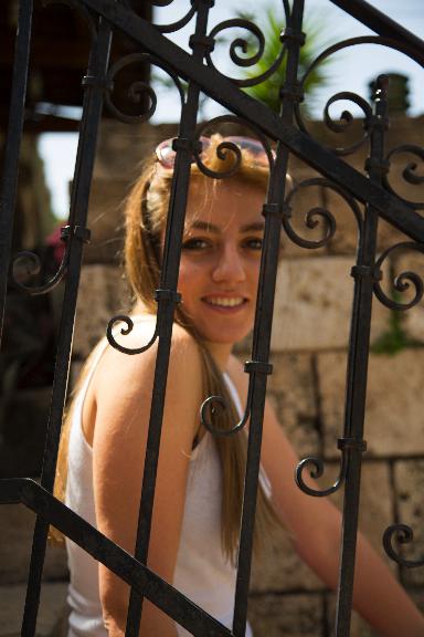 Lara Molaeb, Libanon
