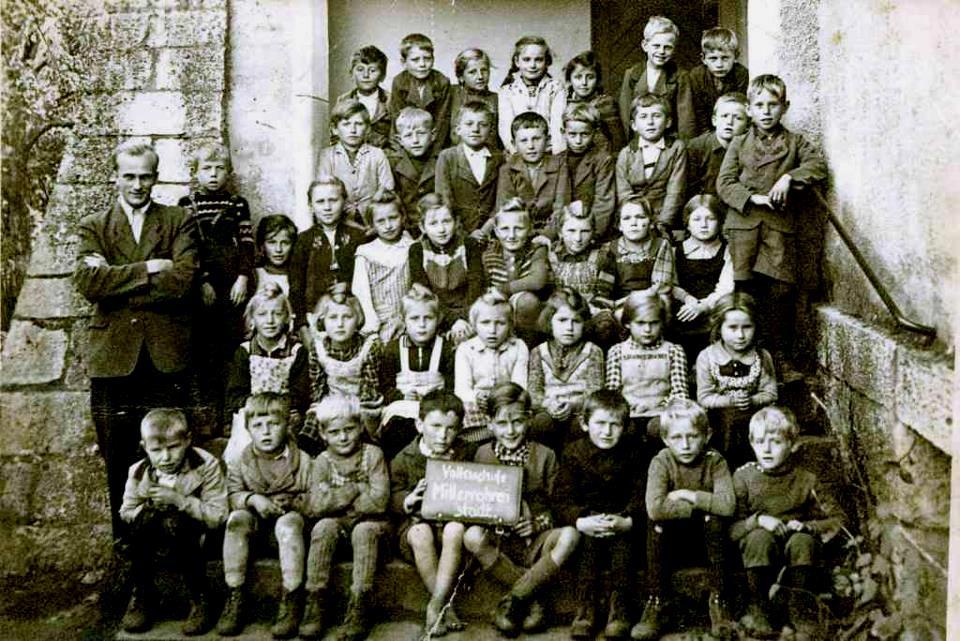 Schule Mitterrohrenstadt 1948 Foto: J. Rehn