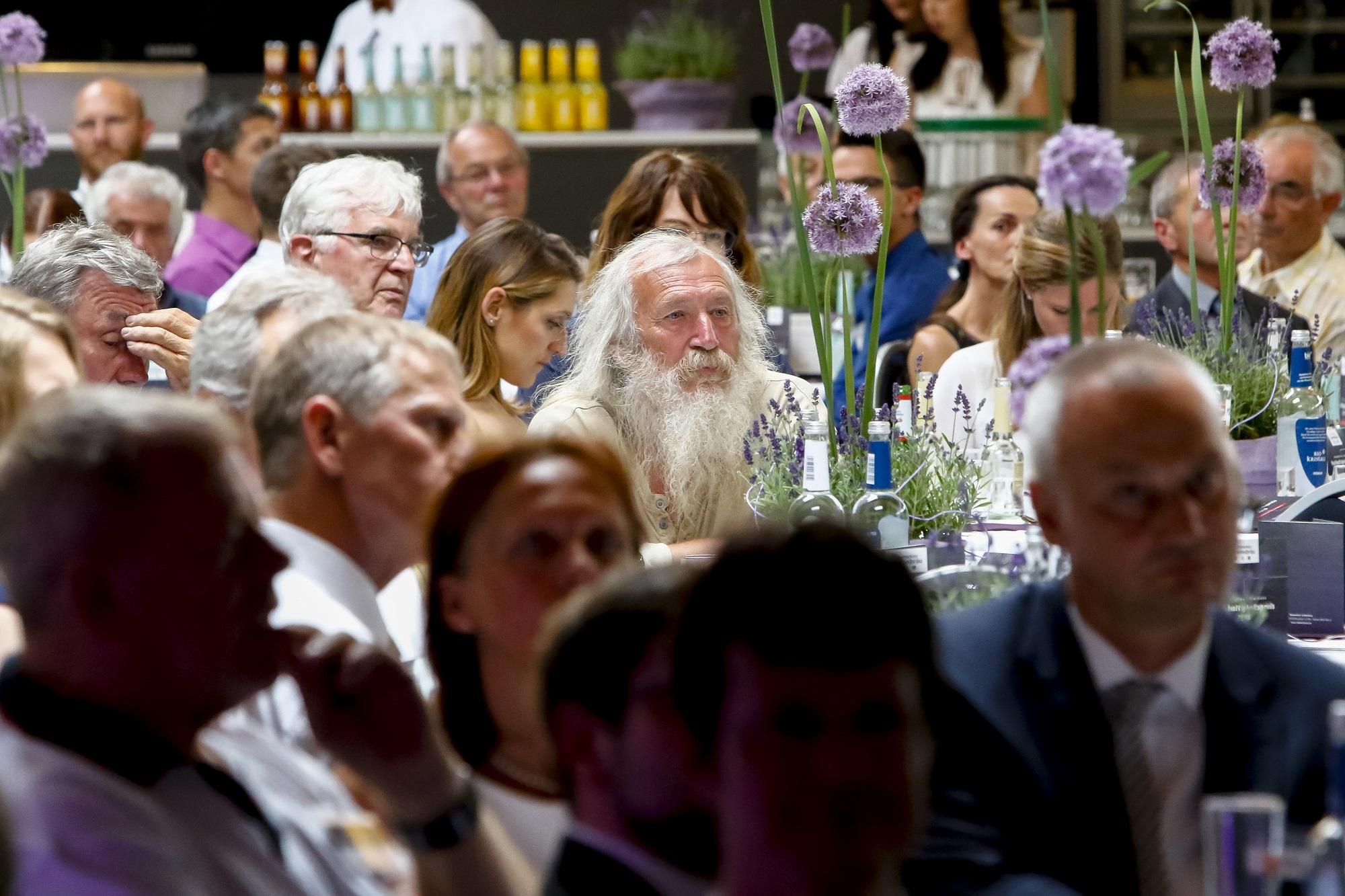 Gäste bei der 17. Preisverleihung des Nachhaltigkeitspreises der Neumarkter Lammsbräu