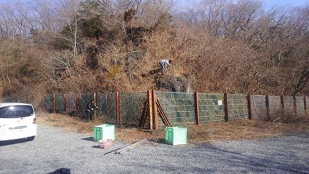 丸火自然公園南駐車場溶岩崖除草作業