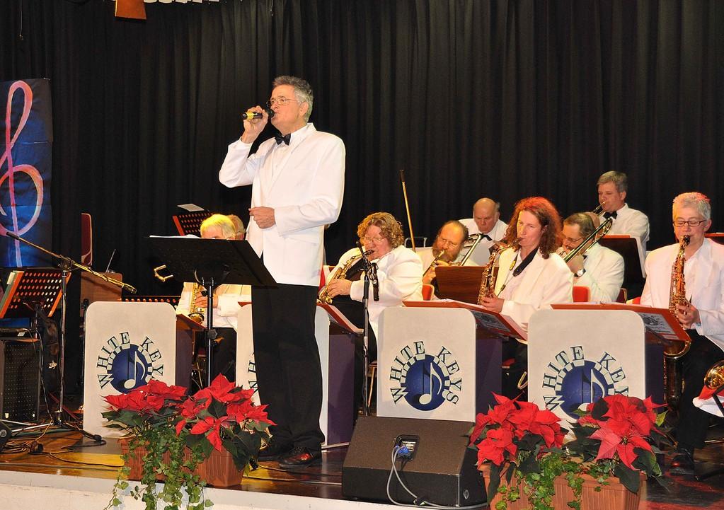 Saxofonist Dr. Reinhard Otter singt