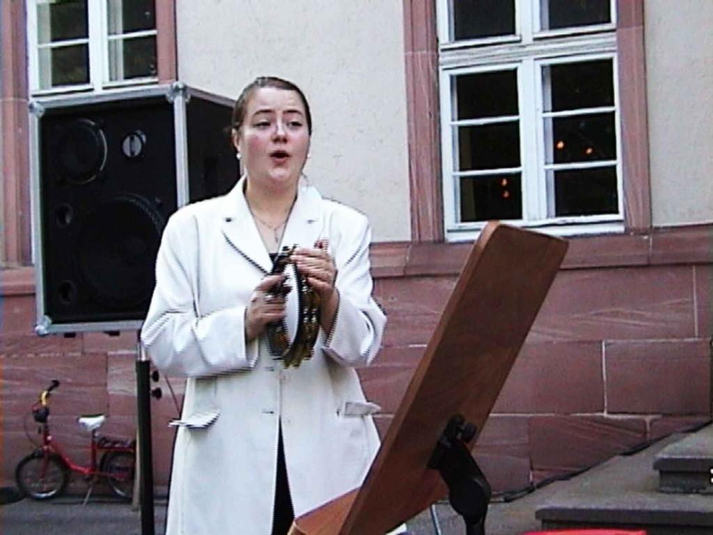 Südstadtfest in Marburg am 5.8.2000; Sängerin Daniela Hacker