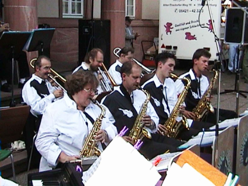 Südstadtfest in Marburg am 5.8.2000; die Big-Band