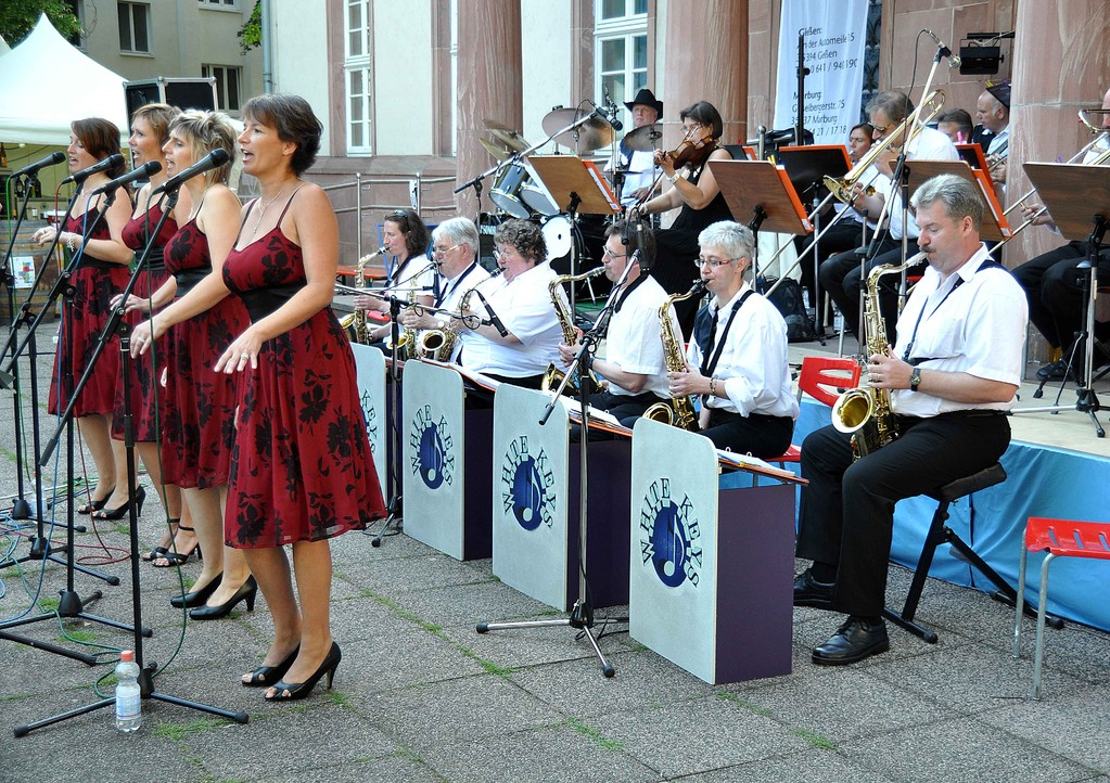 Die Big-Band mit Ladies