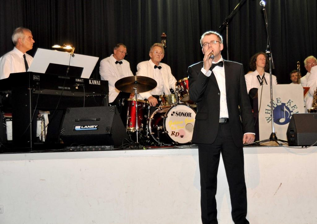 Sänger Tobias Lotter von der Musicalcompany